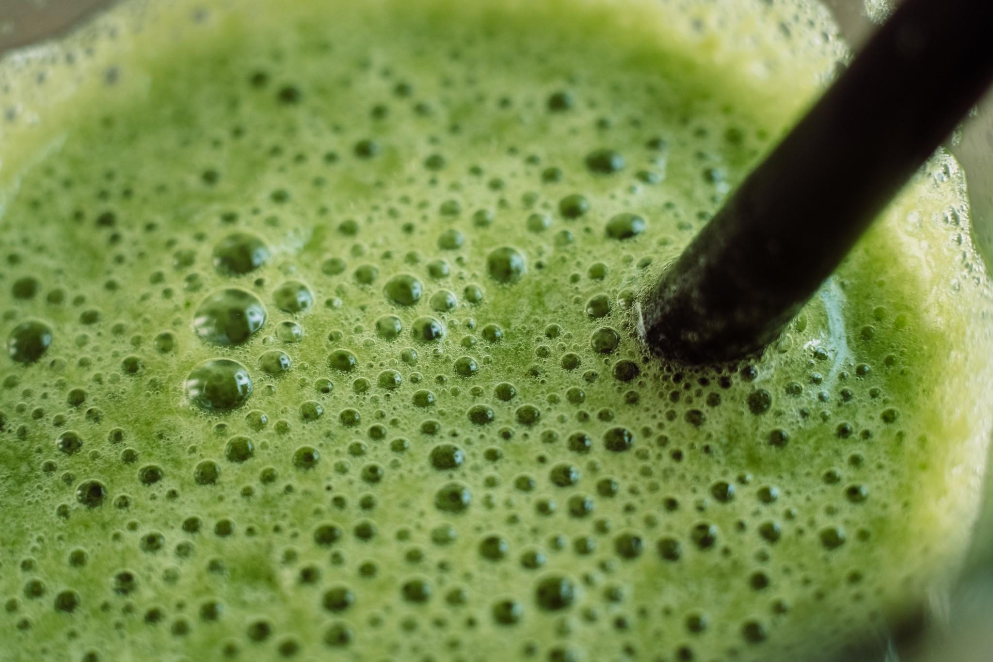 green_cocktail_closeup